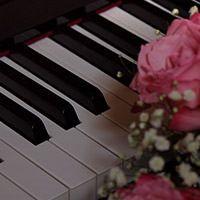 ピアノやステージがある会場