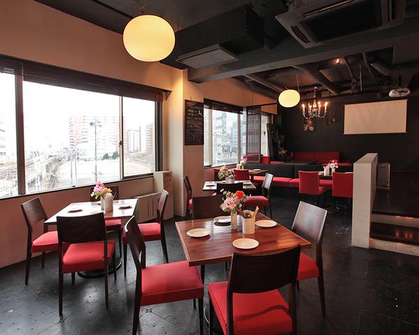 Dining&Cafe Bar Living 横浜